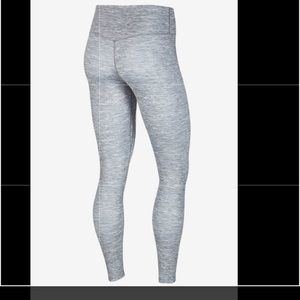 NWT NIKE 2xl the ONE LUXE leggings